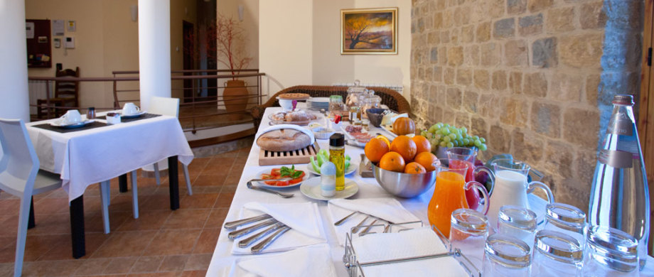 Breakfast-Villa-Viola